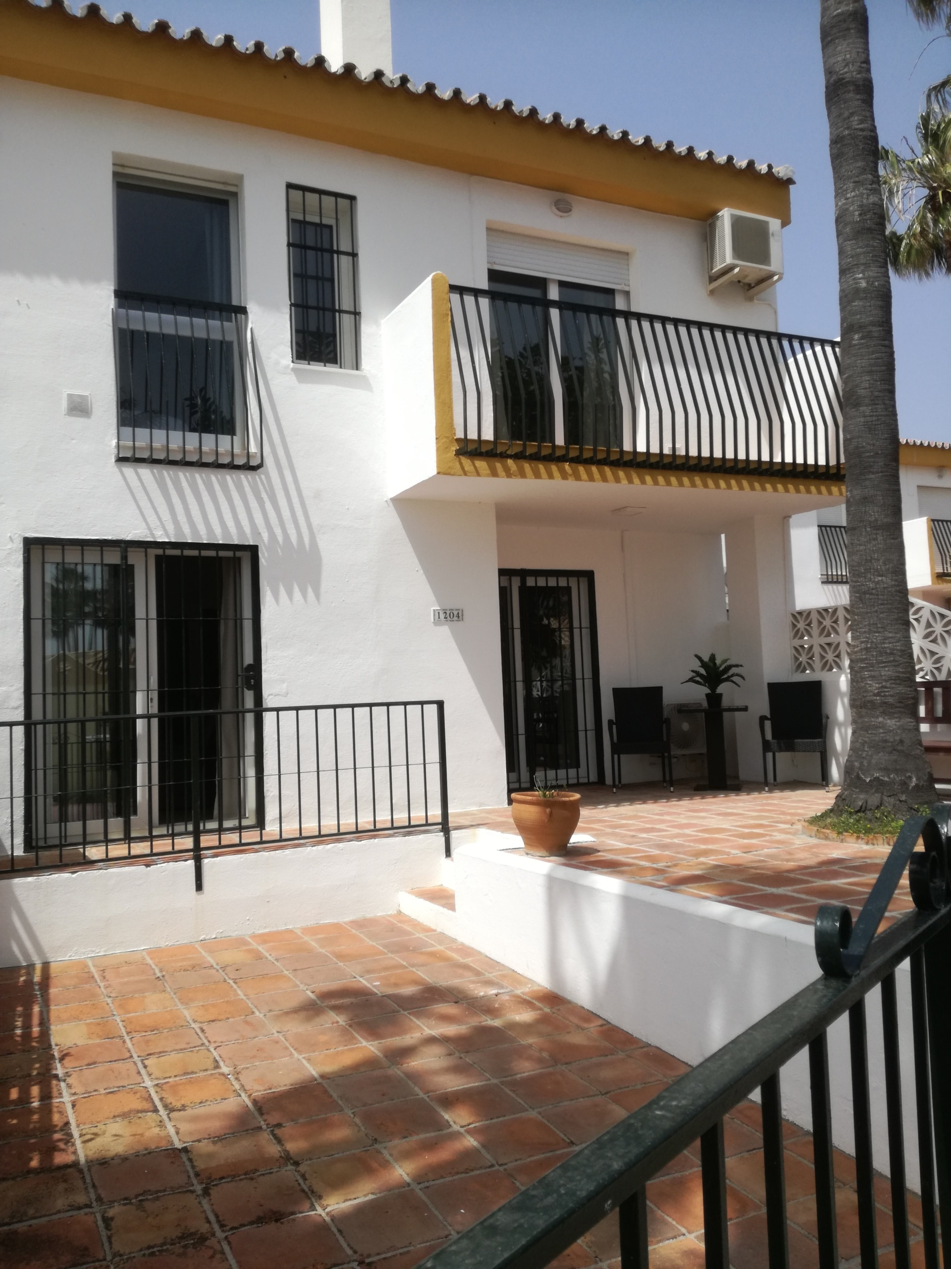 Front patio with private Parking